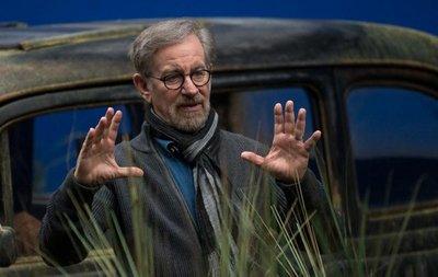 Spielberg defiende la experiencia de acudir a las salas de cine