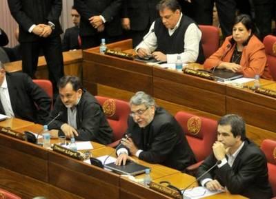 Lugo y el FG amenazan con destituir al presidente del Congreso si este no valida la sesión paralela