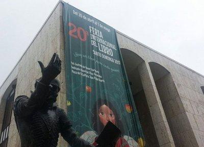 Poetas y autores paraguayos, aclamados en Santo Domingo