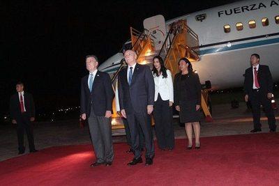 El presidente Juan Manuel Santos está en Paraguay