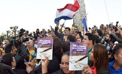 En festejo pidieron la expulsión de los senadores llanistas del PLRA