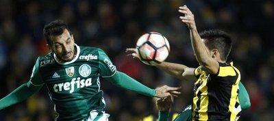 Palmeiras remonta ante el Peñarol un juego con final bochornosa