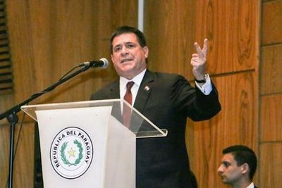 Horacio Cartes nombra a posibles candidatos del Partido Colorado