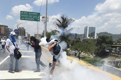 El régimen de Maduro volvió a reprimir y deja un nuevo muerto