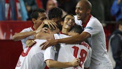 El Sevilla presiona al Atlético de Madrid