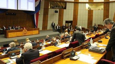 Duras críticas a Robert Acevedo en el Senado