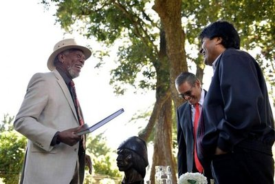 Morgan Freeman visita a Evo Morales para su documental