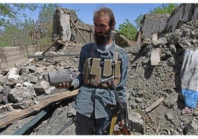 Cuatro muertos y 22 heridos en atentado suicida en Kabul