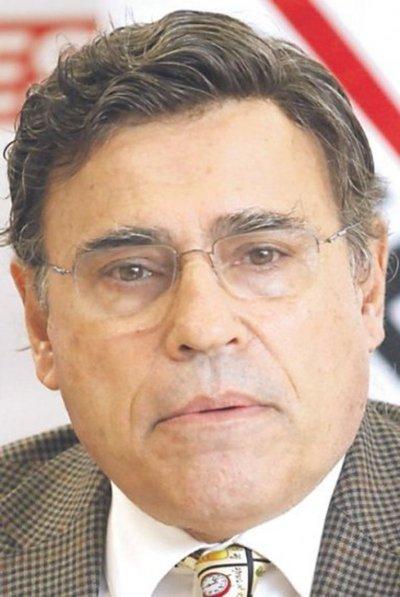 A Peña le falta carrocería política, según Felippo