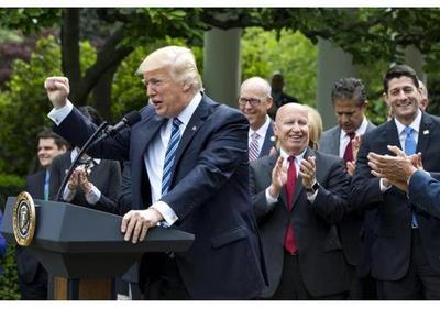 Trump se anota una victoria legislativa con la ley de salud