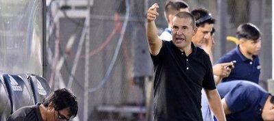Mauro Caballero renuncia y deja de ser técnico de Olimpia