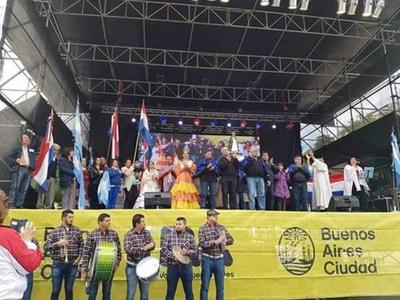 Paraguayos en Buenos Aires homenajearon a la Patria