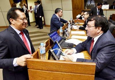 Diputados aprueban a medias control al dinero sucio en internas