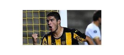 Iván Villalba colabora con un gol en la victoria de Peñarol
