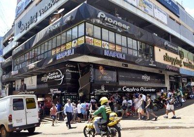 Hacienda monitorea crisis en Brasil y no descarta reducir tasas impositivas