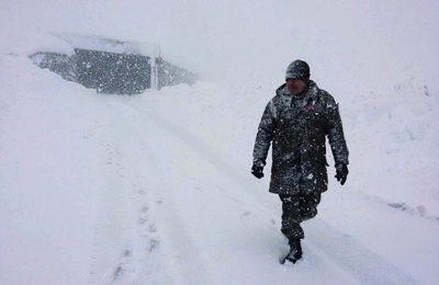 Camiones paraguayos seguirán atrapados en la nieve