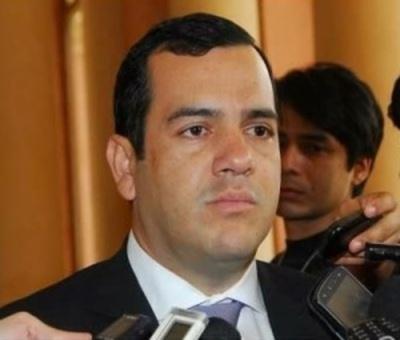 Autoridades quieren manejar Gobernación como bolicho