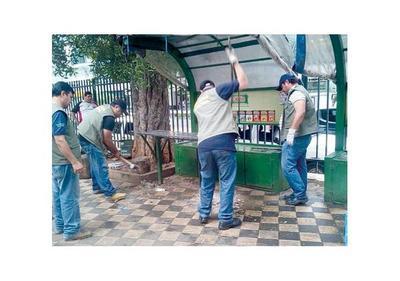 Ferreiro reconoce error por desalojo a vendedores