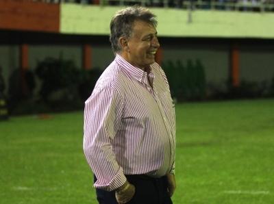 Almeida sigue sigue levantando al Decano