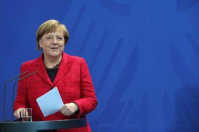 Merkel habla de una nueva era, Trump deshace consenso