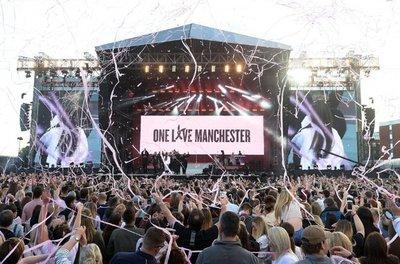 Empieza concierto benéfico en Manchester con un minuto de silencio