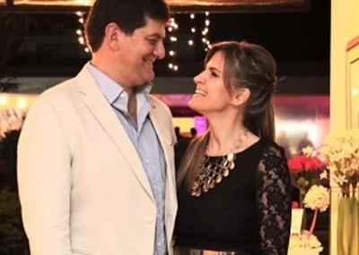 Conductora De Televisión Celebró Sus 'bodas De Plata'