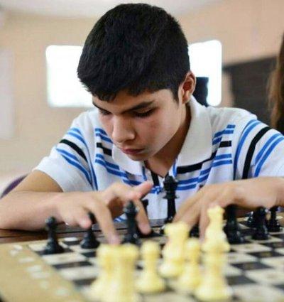 Resultado de imagen para Jesús Barrios triunfa en campeonato mundial de ajedrez