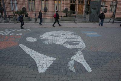 Fantasma de los Kirchner merodea mientras Macri intenta cambios