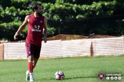 """Cerro: """"Mauricio toma lo que le da el club"""""""