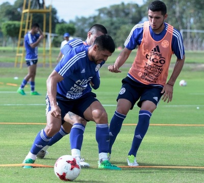 Arce dio lista para juego con México