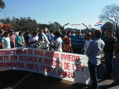 Productores cierran ruta en Caaguazú