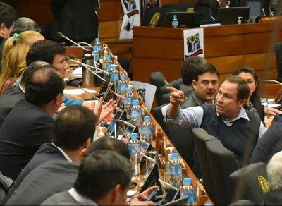 Alvarenga acciona por su remoción del JEM