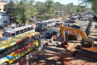 Obra del metrobús complica cada día más el tránsito