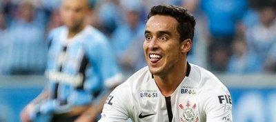 Corinthians venció a domicilio a su escolta y amplía ventaja en Brasil
