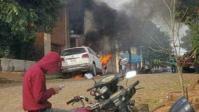 Apunta a entorno de Friedman quema de vehículo
