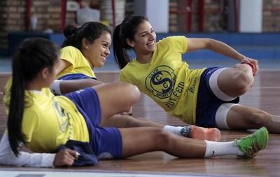 Recoleta y Sport Colonial siguen en la cúspide en Futsal Femenino