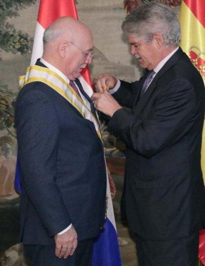 Asociación repudia condecoración a Loizaga