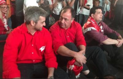 Finalmente, Afara tiró la toalla y se pasó al equipo de Abdo Benítez
