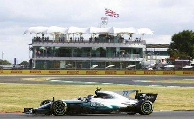Bottas y Hamilton firman los mejores tiempos