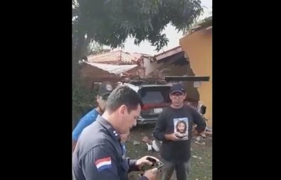 Camioneta impactó contra vivienda en Capiatá