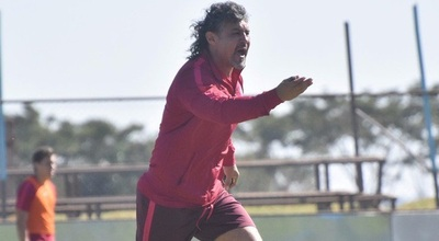 Álvarez forma el equipo sin Irrazábal
