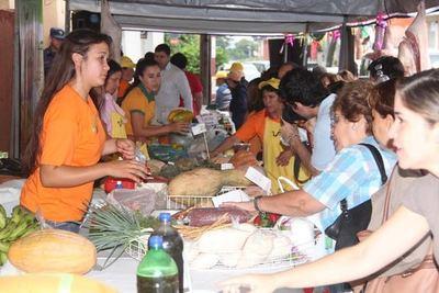 Feria del Indert transcurre favorablemente