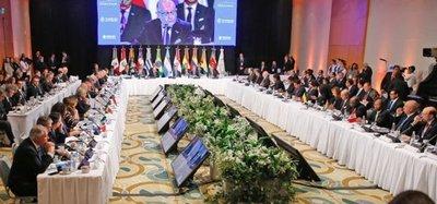 Cartes aboga por el orden democrático en Venezuela