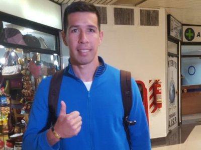 Víctor Cáceres será presentado el lunes en Cerro