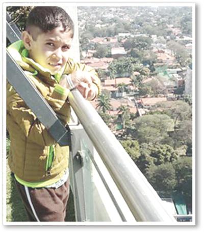 Subió al edificio más alto de Asunción y cumplió su sueño
