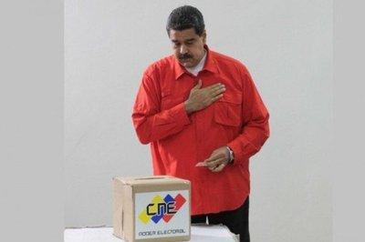 Maduro vota primero en la elección de la Constituyente