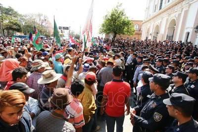 Campesinos harán marcha general el 15 de agosto