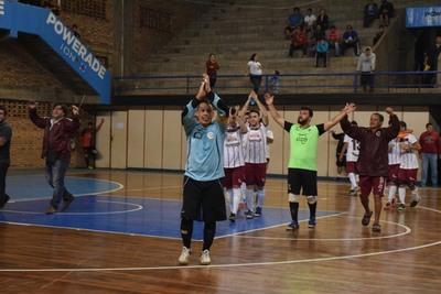 Resistencia pega fuerte en Futsal Honor que esta noche tiene atractivos choques