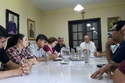 Obispos buscan la solución