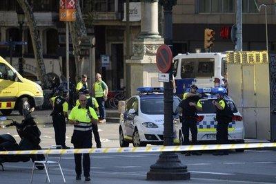 Barcelona: Atacantes tomaron rehenes